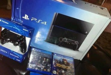 Sony Playstation 4 + 2 Controllers & 10 Games